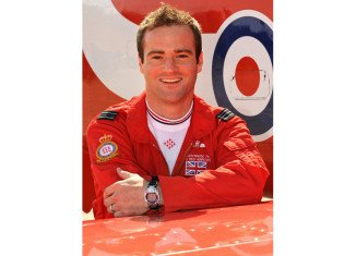 Jon Egging Red Arrows