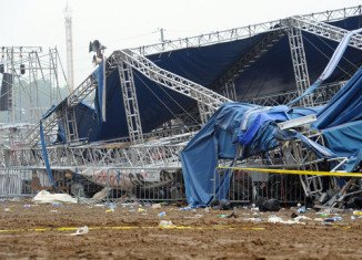 Today police and safety investigators inspected the Saturday night's tragedy site at the Indiana State Fairgrounds, where the stage collapsed