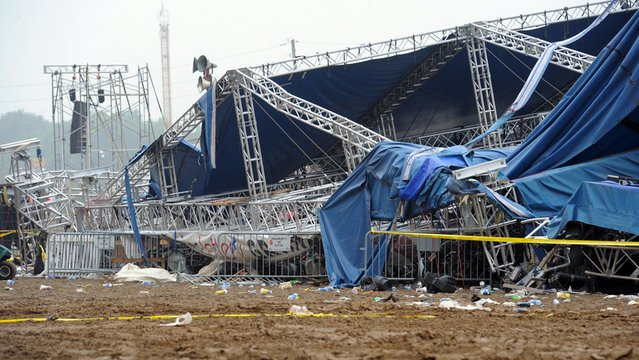 Today, police and safety investigators inspected the Saturday night's tragedy site at the Indiana State Fairgrounds, where the stage collapsed
