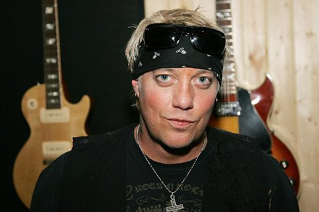 Jani Lane had a history of alcohol-related issues, and was arrested twice on DUI charges.