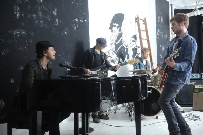 "Gavin DeGraw making of a Video ""NOT OVER YOU"""