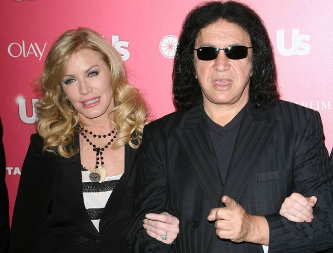 Gene Simmons finally proposed to Shannon Tweed after being together 28 years photo