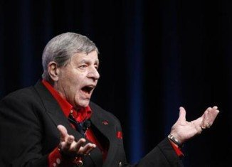 The 46th edition of the annual MDA Labor Day Telethon wasted no time in offering a tribute to its longtime host, Jerry Lewis