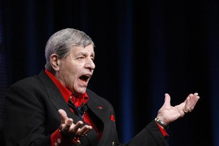 The 46th edition of the annual MDA Labor Day Telethon wasted no time in offering a tribute to its longtime host Jerry Lewis photo