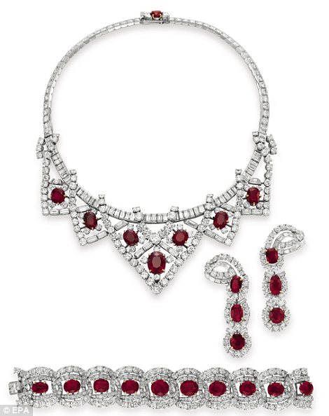 The Cartier ruby and diamond suite was given to Elizabeth Taylor by her third husband Mike Todd