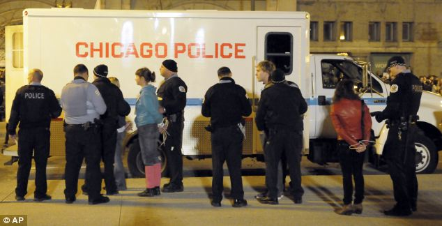 175 of Occupy Chicago protesters have been arrested last night in a downtown plaza where they had set up tents and sleeping bags