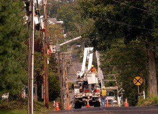 As an unusual October snowstorm hit the North East of US, Connecticut Light & Power offers some safety tips in case of storm