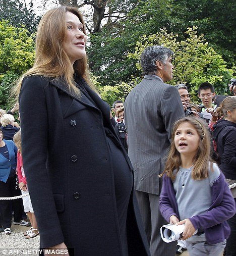 Carla Bruni, France First Lady has given birth to a baby girl this evening at Muette Clinic in Paris