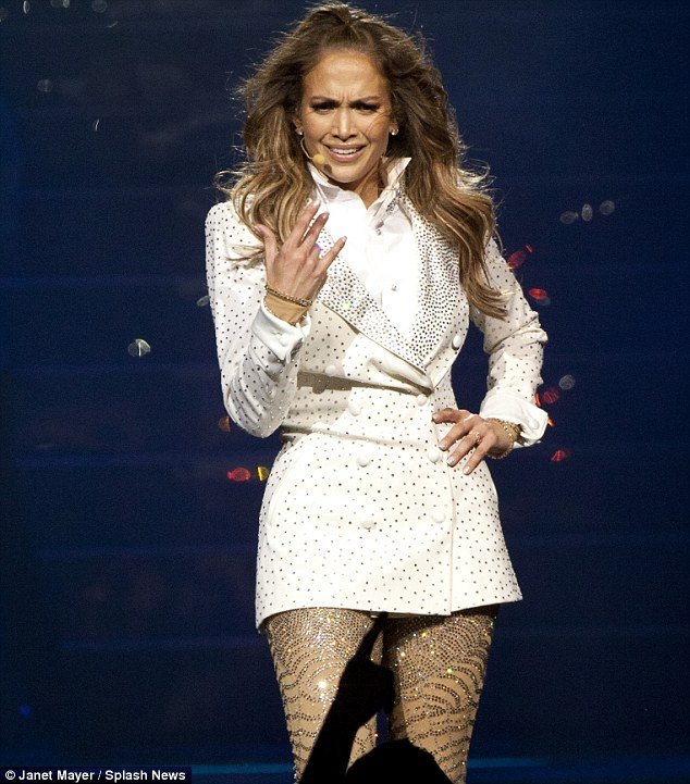 Jennifer Lopez broke down and had to leave the stage at the Mohegan Sun Arena's 15th anniversary celebration as she sang about lost love