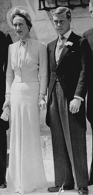 "Nancy Shevell's wedding dress, designed by Stella McCartney, was a ""remake"" of the 1937 Wallis Simpson wedding outfit"