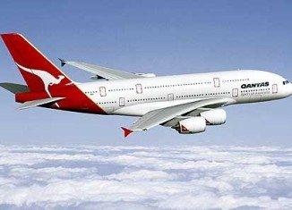 A London-bound Qantas A380 with 258 on board was forced to divert to Dubai after an engine problem occurred on Friday