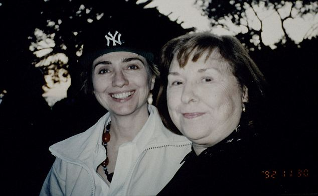 Hillary Clinton and her mother, Dorothy Rodham, in 1992