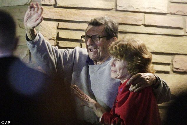 Joe Paterno and his wife Sue speaking at his house to a large gathering of students