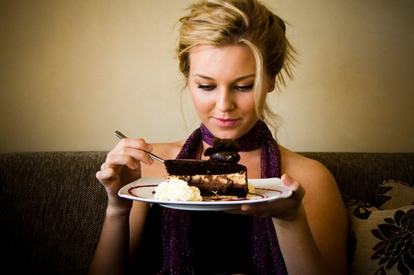 Eating large amounts of sugary, refined carbohydrates, such as biscuits and cakes, may trigger excess hair