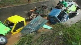 More than 430 people have been killed and many more missing in recent flash floods triggered by typhoon Washi in the southern Philippines