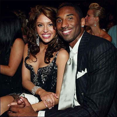 """Vanessa Bryant filed for divorce from Los Angeles Lakers star citing """"irreconcilable differences"""" photo"""