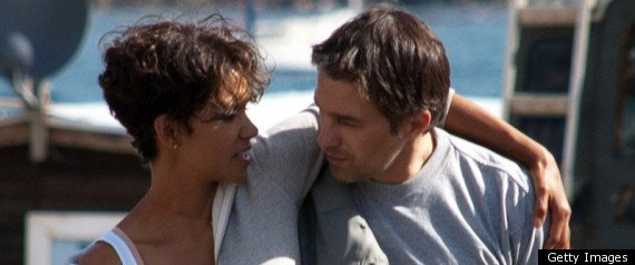 A source has confirmed to Us Weekly magazine that Halle Berry and Olivier Martinez are engaged