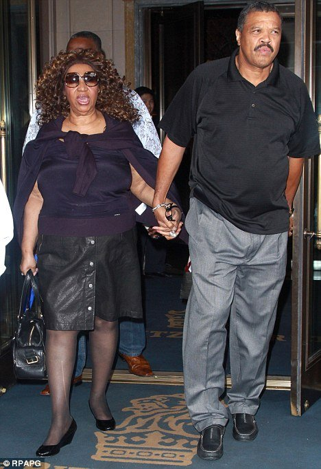Aretha Franklin and her fiancé Willie Wilkerson photo