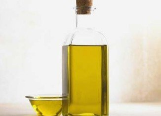 Experts say that eating fried food may not be bad for the heart, as long as you use olive or sunflower oil to make it