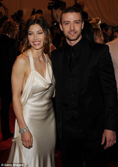 Justin Timberlake is said to have proposed to girlfriend Jessica Biel just before Christmas in a romantic winter setting