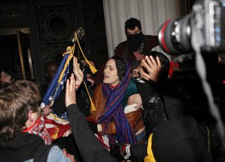 Police arrested around 300 Occupy protesters in Oakland after trying to enter the City Hall an a convention centre