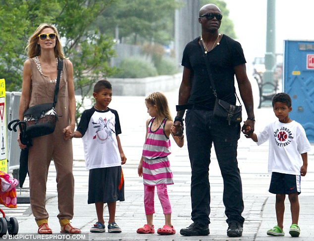 Seal and Heidi Klum worked together to decide how to break the sad news of their split to their four children, the singer revealed in a new interview