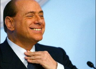 Italian judges have thrown out a bribery case against former Prime Minister Silvio Berlusconi, because it expired under the statute of limitations