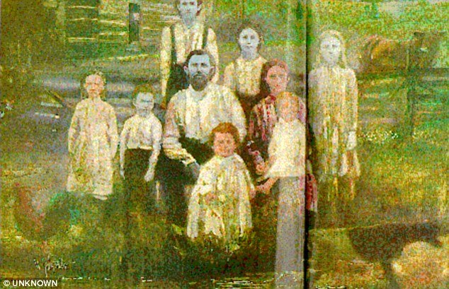 The story of blue family began when French orphan Martin Fugate settled on the banks of Troublesome Creek in 19th century and married a red haired woman named Elizabeth Smith photo