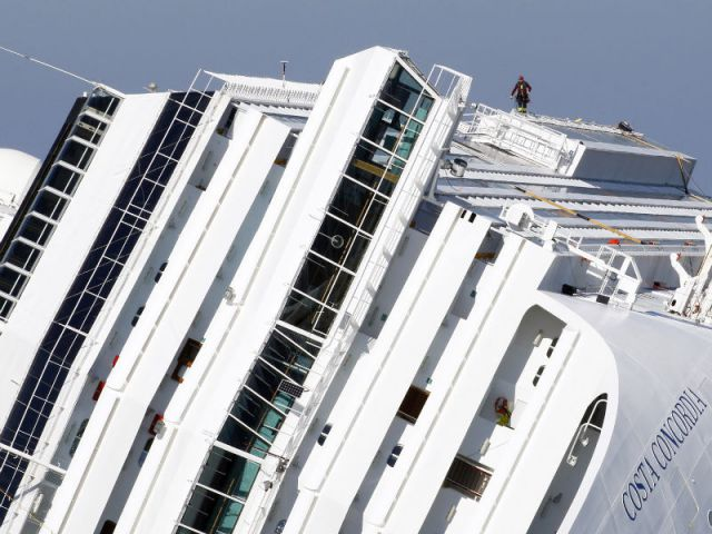 A pre-trial hearing over the case of capsized Costa Concordia cruise ship begins today in Italy