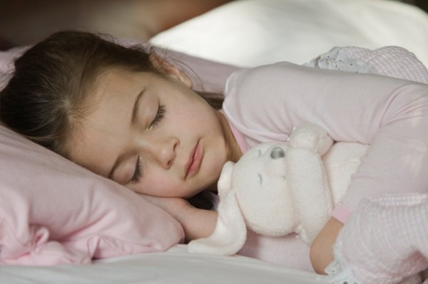 According to US researchers, children who snore, or who have other night-time breathing conditions, are at risk from behavioral problems