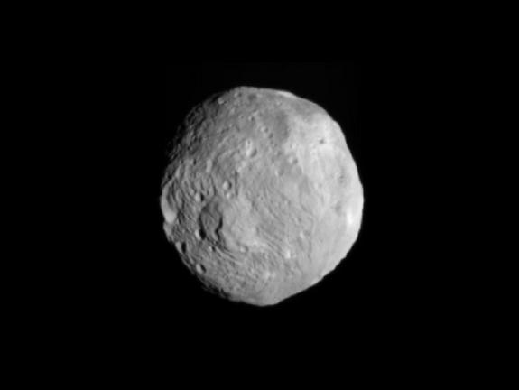 Data from a NASA's Dawn spacecraft revealed that the giant asteroid Vesta possesses many features usually associated with rocky planets like Earth
