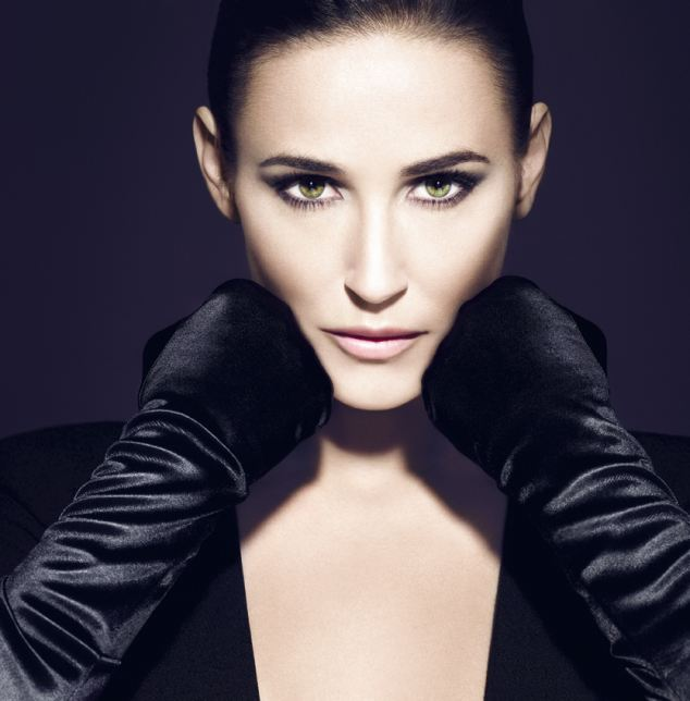 Demi Moore almost unrecognizable after extreme airbrushing for Helena Rubinstein campaign photo