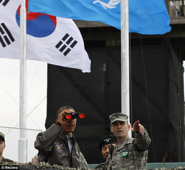 President Barack Obama has visited the Demilitarized Zone (DMZ) separating South Korea from North Korea, amid rising tensions over the North's planned rocket launch