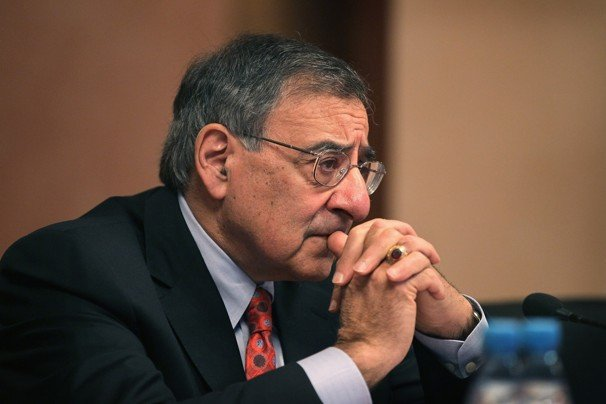 US Defense Secretary Leon Panetta has arrived in Afghanistan in a surprise visit after a NATO soldier shot dead 16 civilians