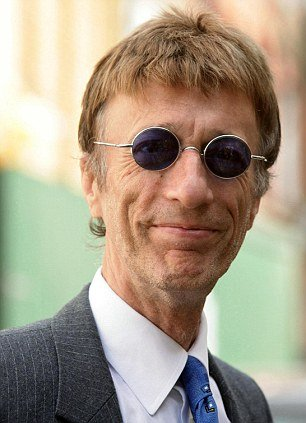 Bee Gee star Robin Gibb is lying in a coma and doctors fear he only has days to live