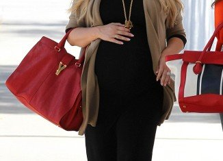Jessica Simpson is due to give birth any day now, but she wants to world to know she is still very much pregnant