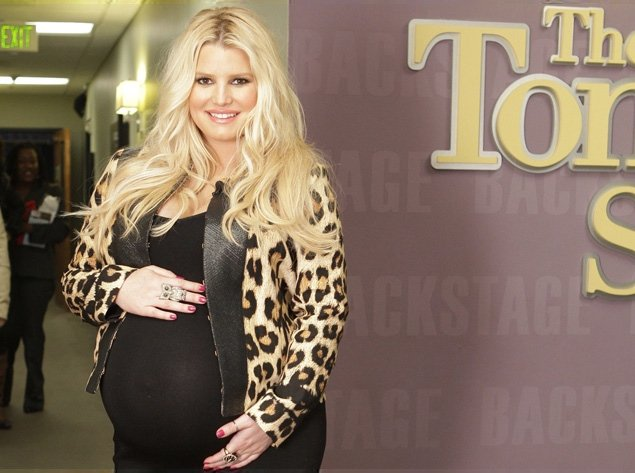 Jessica Simpson still won't be putting style on the backburner as she hopes that when the time comes, she'll be dressed to impress