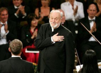 Kurt Masur, 84, lost his balance while conducting the National Orchestra of France on Thursday night