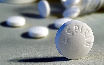 Taking a daily dose of aspirin could cut bowel cancer patients' chance of dying from the disease by about a third