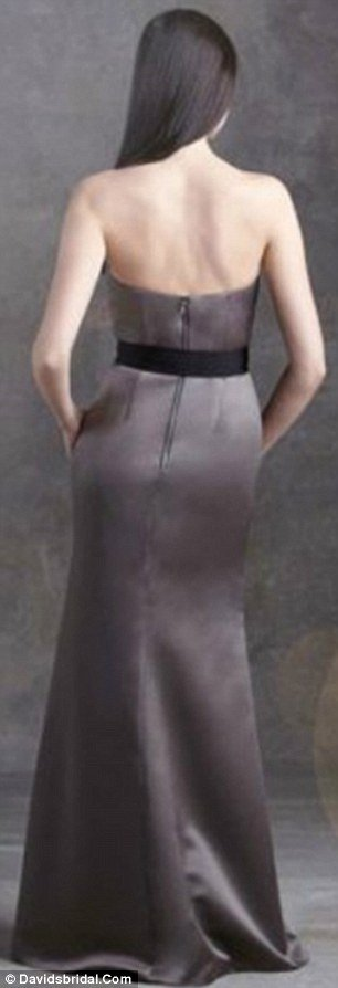 Vera Wang model appeared with normally proportioned waist in a back view