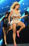 Beyonce took the stage in Atlantic City, New Jersey, last night for the first time since giving birth to daughter Blue Ivy Carter