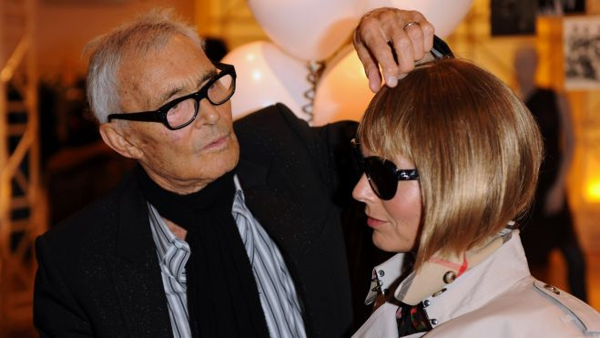 Celebrity hairdresser Vidal Sassoon has died at his home in Los Angeles, aged 84