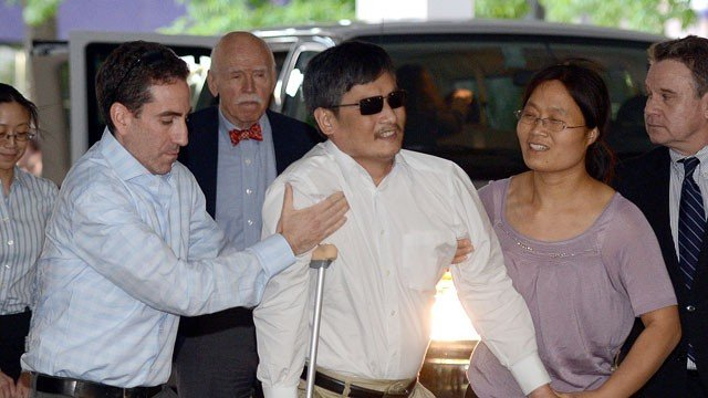 Chinese dissident Chen Guangcheng has arrived in New York with his family to begin a new life in the United States photo