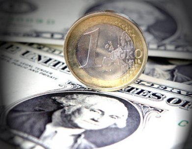 Euro fell against the dollar and the pound on Monday following French and Greek election results which cast doubt on European austerity plans photo