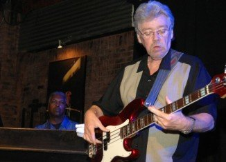 "Guitarist Donald ""Duck"" Dunn, who played with Booker T and the MGs, has died in Tokyo aged 70"