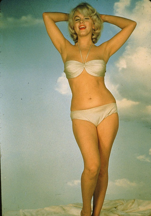 In 1960 Marilyn Monroe was deeply jealous of Elizabeth Taylor and posed nude in a bid to become more popular than her