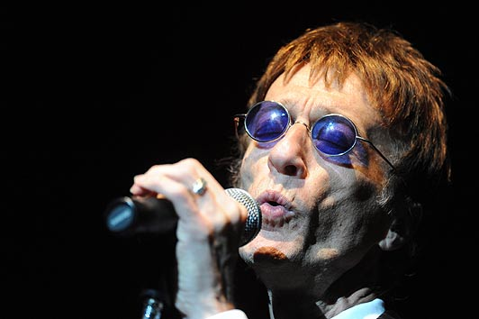 Robin Gibb of the Bee Gees has died aged 62 after a lengthy battle with cancer