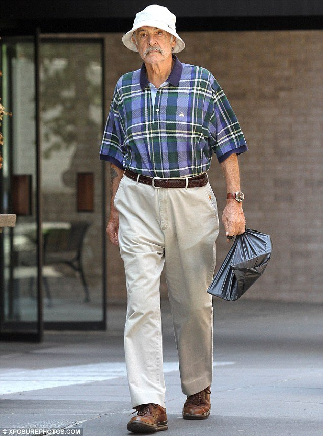 Sean Connery carried a plastic bag as he ran errands around Manhattan