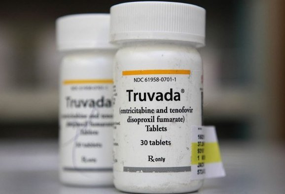 The Antiviral Drugs Advisory Committee recommended US regulators approve Truvada for use by people considered at high risk of contracting the AIDS virus