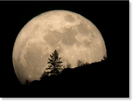 The Super Moon or the year's biggest full moon will delight all on 5th of May 2012 starting from 23.35 EST photo